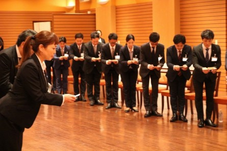 熊本営業力強化セミナー 名刺交換の様子
