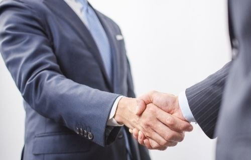 新入社員のビジネスマナー研修講座【挨拶】
