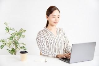 新入社員のビジネスマナー研修講座【成長するには、インプットか?アウトプットか?】