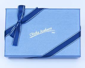 朝倉千恵子ブランド パワーアップ名刺入れ 朝倉千恵子デザインの箱に入れて配送します